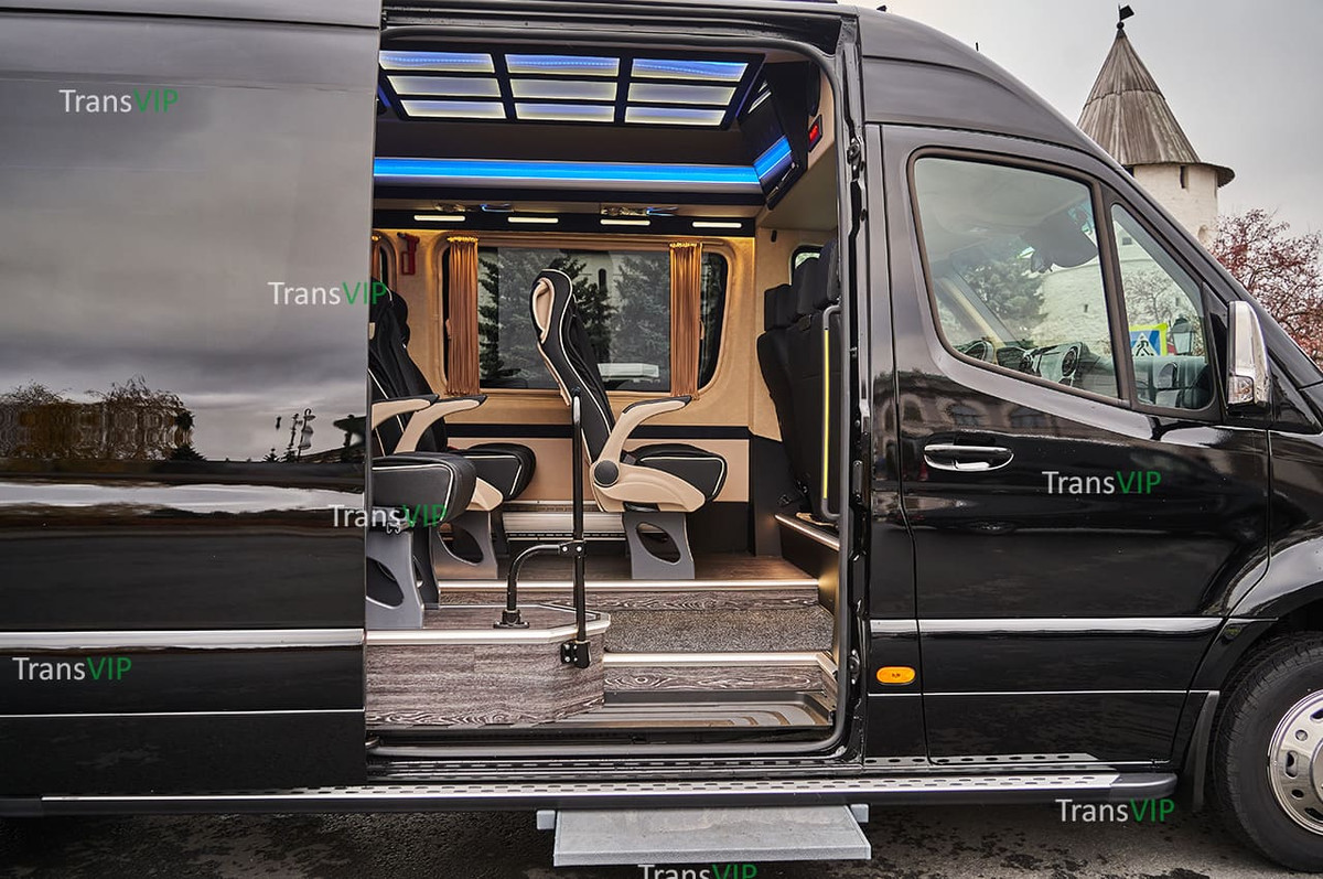 Чёрный Mersedes-benz Sprinter 516 VIP New